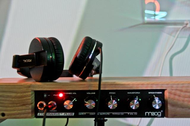 moog_headphones